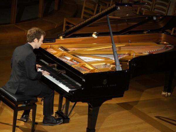 David Kadouch, klaver